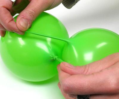 Decoraci n con globos c mo hacer una guirnalda con globos - Como hacer decoracion con globos ...
